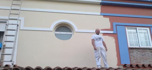 Restauración de fachada por Pintura Industrial y Decorativa A. Barranquero Fuengirola