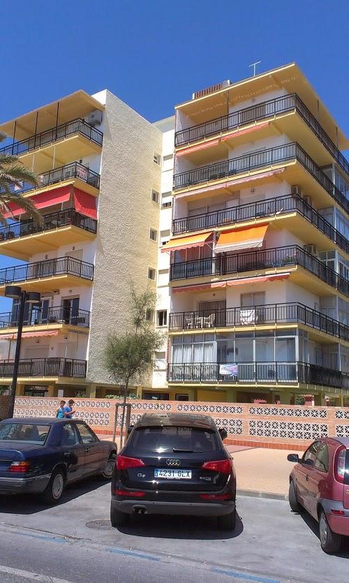 Restauración de fachada finalizada en Fuengirola